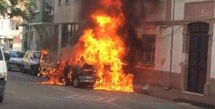 LPG'li otomobil alev topuna döndü...Patlama anları kamerada