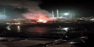 Marinadaki yatta çıkan yangın, lüks yatlara sıçramadan söndürüldü