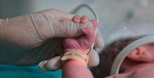 Tarihi hastanenin koridorları pandemiye inat bebek sesiyle yankılanıyor