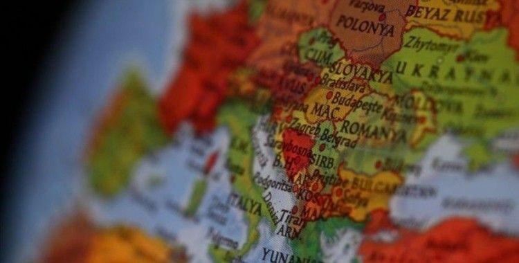 Sırbistan, Kosova'ya olan sınırını tek taraflı olarak açtı