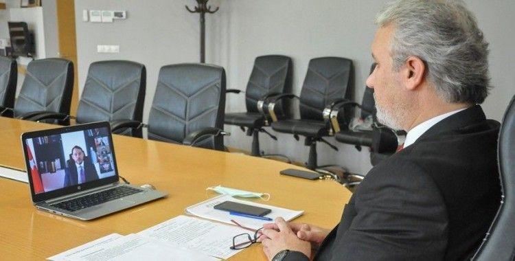 İş dünyası taleplerini Hazine ve Maliye Bakanı Albayrak'a iletti