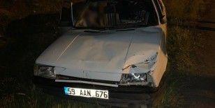 Kontrolden çıkan otomobil yayalara çarptı: 1'i ağır 2 yaralı