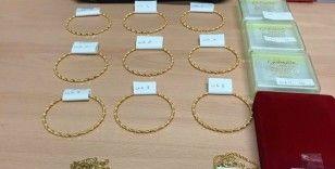 Almanya'da polis yolcunun bagajında bulunan altınlara el koydu