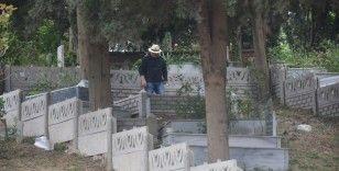 Yasak öncesi mezar ziyaretleri