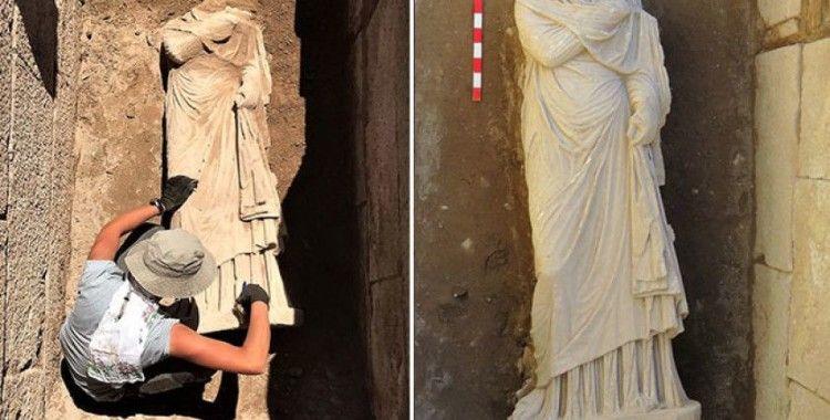 Patara'da bulunan 1900 yıllık kadın heykeli heyecan yarattı