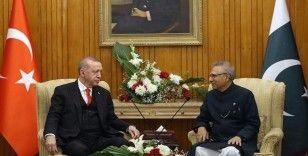 Cumhurbaşkanı Erdoğan, Pakistan Cumhurbaşkanı Alvi ile telefonda görüştü