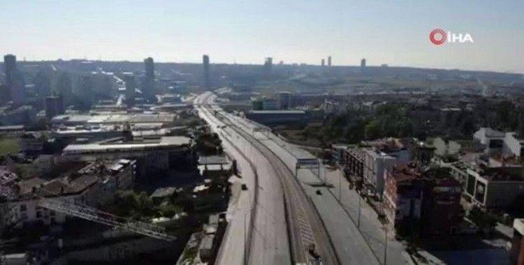 İstanbul'da kısıtlamayla birlikte Ramazan Bayramı'nda yollar boş kaldı
