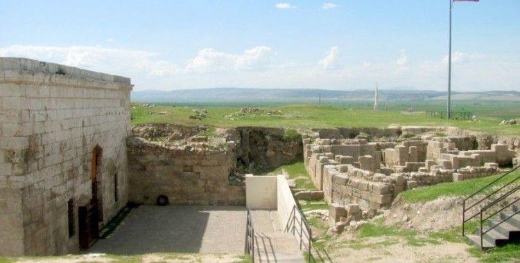 Haçlıların ve Ermenilerin paylaşamadığı tarihi kale gün yüzüne çıkmayı bekliyor