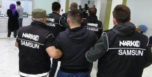 Hastanede katil zanlısına saldırıyı polis önledi