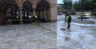 Belediye, Cuma namazı kılınacak camilerde çalışmalarını tamamladı