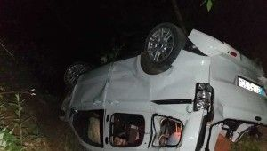 Hatay'da otomobil uçuruma yuvarlandı
