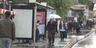 Normalleşmenin ilk günü sağanak yağmur etkili oldu