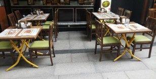 Restoran ve pastaneler yeniden müşteri kabul etmeye başladı