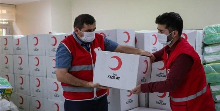 Türk Kızılay normalleşme sürecinde de yardımlarıyla yüz güldürüyor