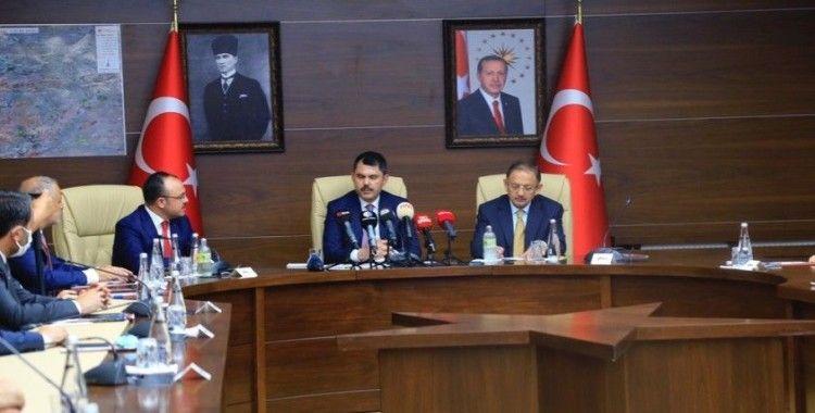 """""""Bingöl'de 638, Erzurum'da 189, Erzincan'da ise 38 bina ağır hasarlı ve yıkık"""""""
