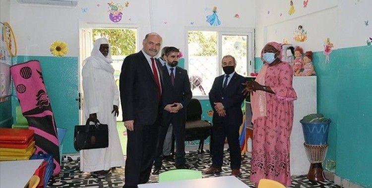 Türkiye'nin Dakar Büyükelçisi Kavas'tan Maarif Okullarına ziyaret