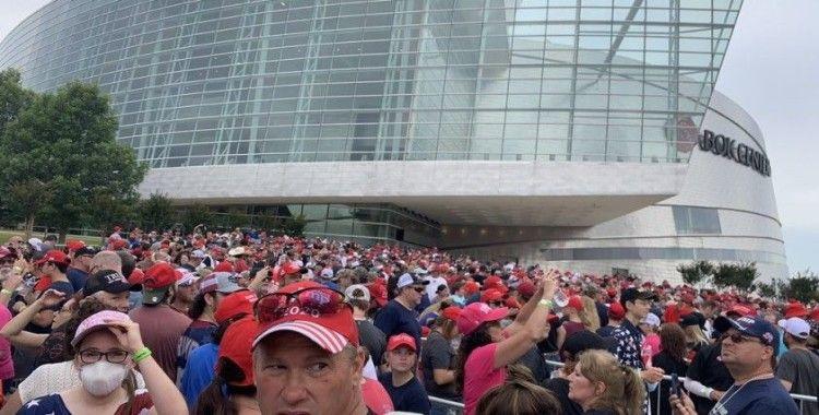 Binlerce Trump destekçisi Tulsa'da