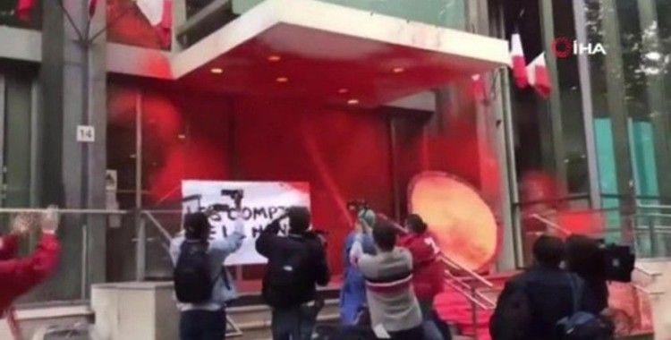 "Sarı Yelekliler'den ""boyalı"" protesto"