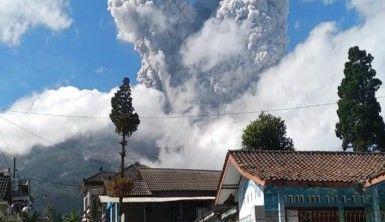 Endonezya'da yanardağda patlama