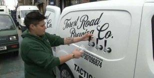 İngiltere'de barlar kapanınca kamyonetle bira servisine başladı
