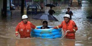Çin'de sel nedeniyle evler sular altında kaldı
