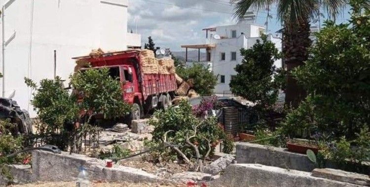 Fireni patlayan kamyon caddeyi savaş alanına çevirdi