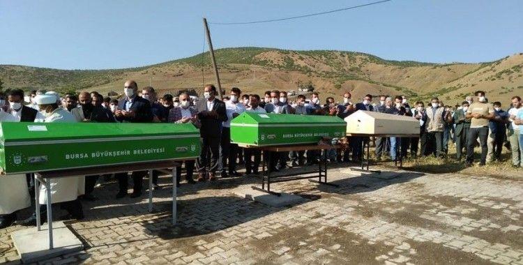 Bursa'da selde hayatını kaybeden Bilen ailesi, son yolculuğuna uğurlanıyor