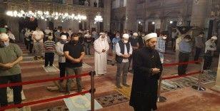 3 ay sonra camiye kavuşan vatandaşlar duygu dolu anlar yaşadı