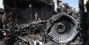 Pakistan'da düşen uçakla ilgili rapor: Kaza nedeni 'Covid-19'