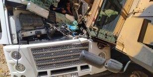 Askeri araçla tır çarpıştı: 1 yaralı