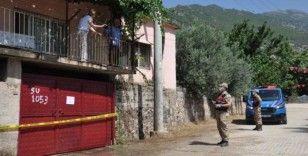 Koronavirüs şüphesiyle hastaneye kaldırılan hastanın evine geçmiş olsun ziyaretine giden 49 kişi karantinaya alındı