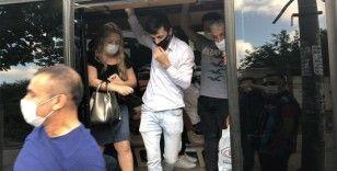 Yasağa rağmen minibüste 25 yolcu