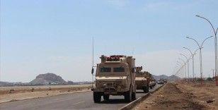 Yemen ordusu Cevf ilinde Husilerin kontrolündeki El-Hazm kentini kuşattı