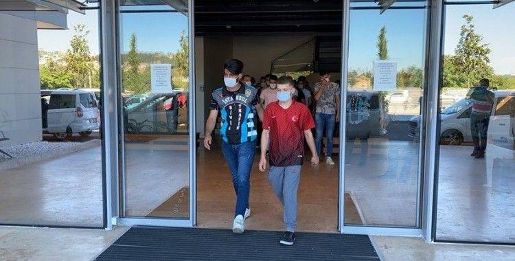 İstanbul'daki asker uğurlamalarında terör estiren 14 kişi yakalandı