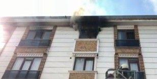 Esenyurt'ta ocakta unutulan yemek evi yaktı