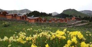 Rüyasını gerçekleştirdiği tatil köyünde yöre gençlerine istihdam sağlıyor