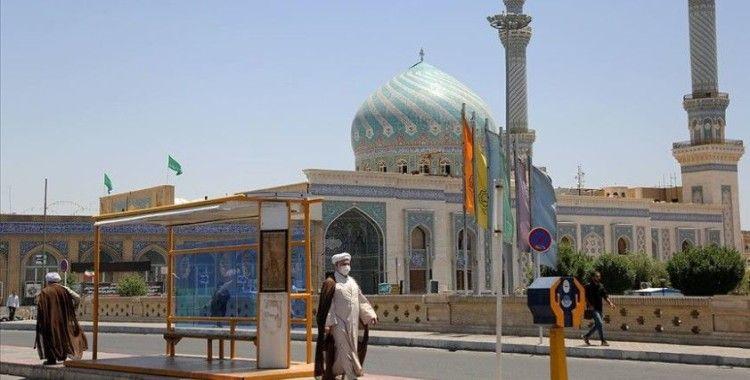 İran'da riskli bölgelerde yeni koronavirüs tedbirleri devrede