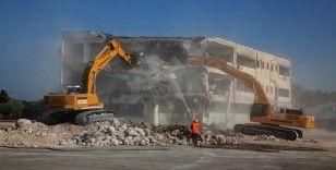 Atina'daki kullanılmayan havalimanı turistik tesisine dönüştürülüyor