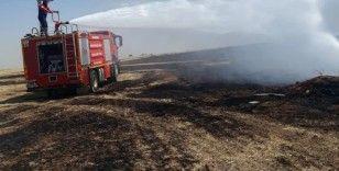 Alevler artezyen kuyusuna sıçradı, sulama boruları yandı