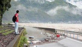 Japonya'daki sel felaketinde 16 kişi hayatını kaybetti, 13 kişi kayıp