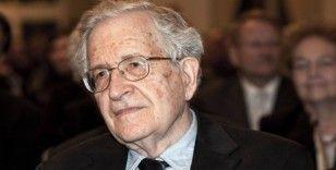 Chomsky: Trump döneminde Beyaz Saray ırkçılığı besledi