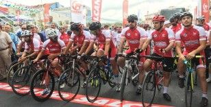 200 profesyonel bisikletli şehit Ömer Halisdemir için padel çevirecek
