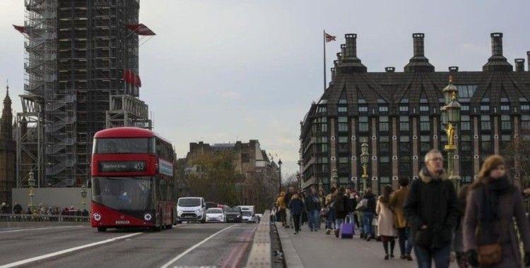 İngiltere'de iki perakende zinciri toplam 5 bin 300 kişiyi işten çıkaracak