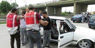 Küçükçekmece'de 500 polisle dar alan uygulaması