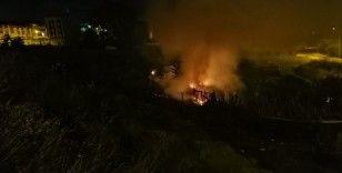 Arnavutköy'de barakada yangın paniği