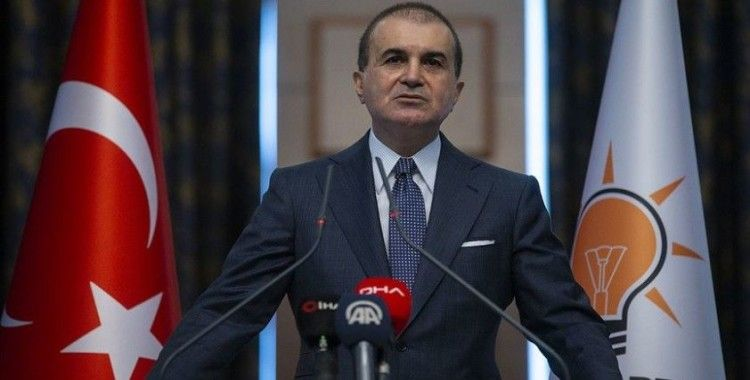 AK Parti Sözcüsü Çelik: Fransa Cumhurbaşkanı toplu mezarların üstünü örtemez