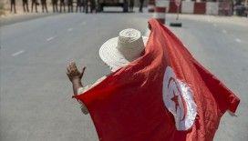 Tunus'ta Başbakan Fahfah ile Nahda Hareketi arasındaki güç mücadelesini kim kazanacak?