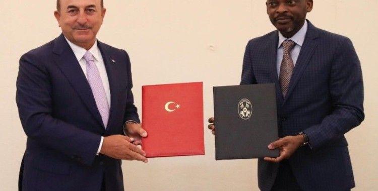 """Çavuşoğlu: """"Togo'ya ilk resmi ziyareti yapmaktan mutluluk duyuyorum"""""""