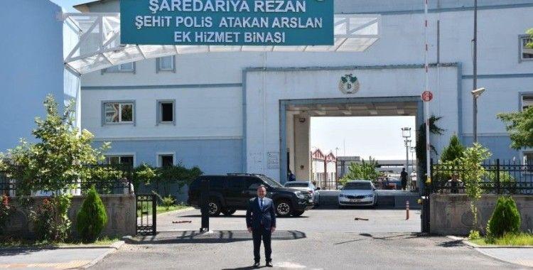 Ak Partili Bağlar Belediyesi, Bağlar'da şehit olan polis memurunun ismini hizmet binasına verdi