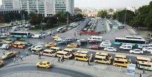 Taksi dolmuş şoförlerinden İBB önünde eylem